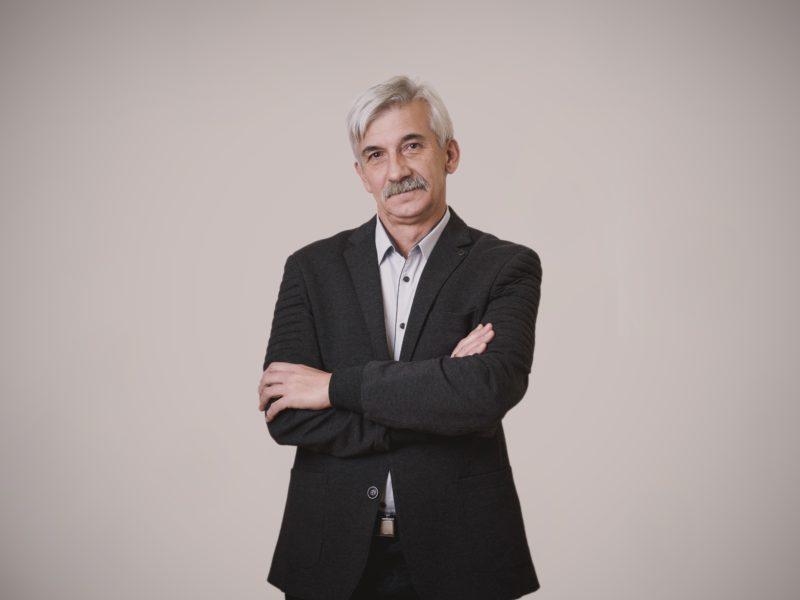 dr Adam Rus